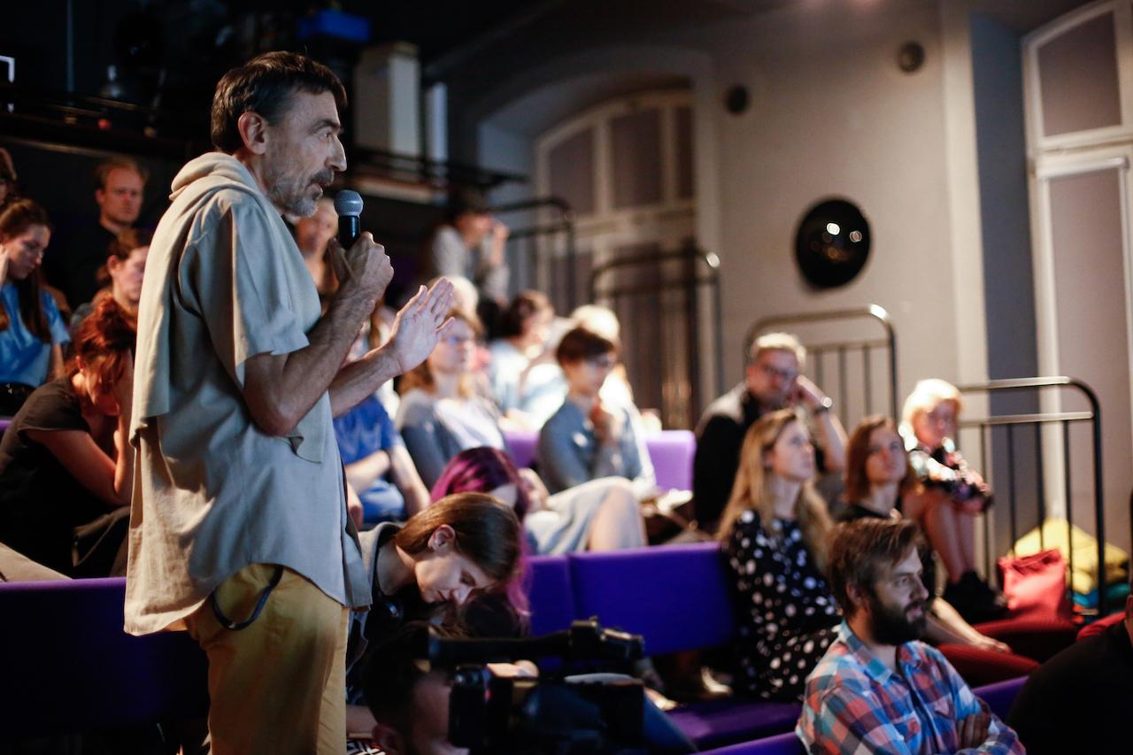 """Uczestnicy i uczestniczki debaty w ramach programu """"Centrum Sztuki Włączającej: Downtown"""""""